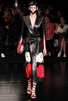 Sfilata Alexander McQueen Parigi - Collezioni Primavera Estate 2015 - Vogue
