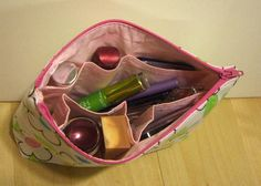 Makeup Bag with Build-in Organizer (Jasmine) / organized make up bag, what a great idea