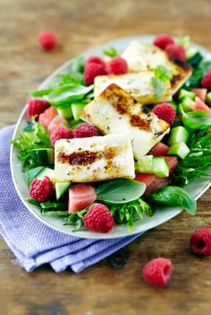 Grillijuusto-vadelmasalaatti | K-Ruoka Salad Recipes, Keto Recipes, Cooking Recipes, Healthy Recipes, Healthy Food, Finnish Recipes, Halloumi, Soup And Salad, Summer Recipes