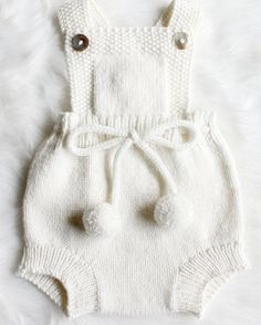 Diy Crafts - Knitted Baby Clothes with Colorful Varieties knitted baby clothes hand knitted baby romper Baby Knitting Patterns, Baby Clothes Patterns, Baby Patterns, Clothing Patterns, Hand Knitting, Babies Clothes, Babies Stuff, Dress Patterns, Crochet Patterns