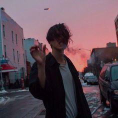 41 Ideas For Grunge Photography Boy Bad Boy Aesthetic, Aesthetic Grunge, Night Aesthetic, Aesthetic Photo, Pink Aesthetic, Tumblr Boys, Grunge Photography, Photography Poses, Beautiful Boys