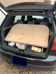 Vw Hatchback, Car Camper, Camper Conversion, Car Seats, Platform, Ideas, Heel, Wedge, Thoughts
