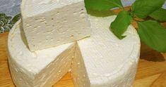 A sajt sokak kedvence, ezért ma egy házilag elkészíthető sajt receptjét hoztuk el nektek. Könnyen elkészíthető, nem is drága, így megéri kipróbálni. Hozzávalók: 0,5 kg tehéntúró, 0,5 l zsíros tej, 1 db tojás, 0,5 teáskanál szódabikarbóna, 50 g vaj, só tetszésszerint. Elkészítés Egy edényben keverjük össze a tejet, a tehéntúróval, majd tegyük fel főni és … Cheese Lover, Russian Recipes, How To Make Cheese, Queso, Feta, Camembert Cheese, Dairy, Food And Drink, Homemade