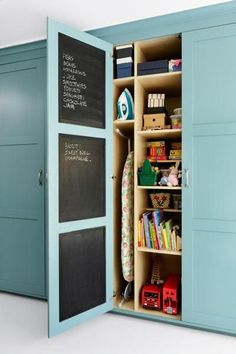 Home Solutions to Take on Through the Year Create a hidden memo board inside a pantry door for a handy place to record your grocery list and calendar. All it requires is a few coats of chalkboard paint. Laundry Cupboard, Utility Cupboard, Utility Closet, Laundry Rooms, Kitchen Larder Cupboard, Coat Cupboard, Boot Room Utility, Small Utility Room, Kitchen Cupboard Organization