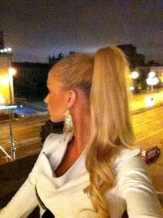 Gorgeous blonde ponytail ♥
