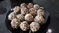 Complete Nut Butter Balls INGREDIENTS: 1 cup Either chocolate or vanilla complete 1 cup nut butter 1/2 - 1 cup oats 1/2 -1 cup honey INSTRUCTIONS: Mix all together until consistency of cookie dough. Roll into bite size balls Options: Can then roll in shredded coconut, cocoa. Can add chocolate chips, any seeds/nuts/raisins to mixture. Quantities of ingredients are not strict, not too sticky not to dry....just like cookie dough. Refrigerate in sealed container Double the recipe and freeze.