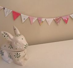 How to make mini bunting out of recycled greeting cards · Recycled Crafts | CraftGossip.com
