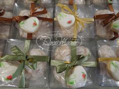 Caixa com Cookies Decorados pintados a mão e Amarettos - Lembrancinhas