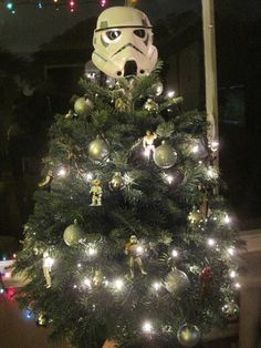 "Star Wars. Christmas. More Cool Stuff at ""Geek Home and Holiday"" http://www.pinterest.com/SuburbanFandom/geek-home-and-holiday/"