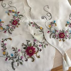Şükran Danaoğlu (@sukraninhobievii) • Instagram fotoğrafları ve videoları Embroidery Stitches, Hand Embroidery, Couture, Fabric Painting, Sewing Hacks, Floral Tops, Photo And Video, Instagram, My Style