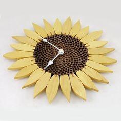 Amazing Sunflower Clock   Yellowheart
