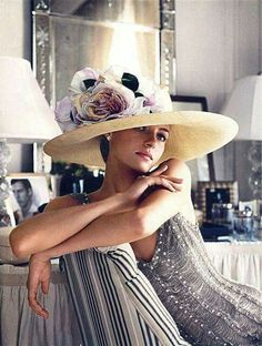 """Ralph Lauren Why can't everyone walk around wearing glamorous hats these days like in """"My Fair Lady""""? Foto Fashion, High Fashion, Womens Fashion, Gothic Fashion, Fashion Models, Style Fashion, Mode Chic, Mode Style, Estilo Glamour"""