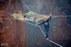 Thrill Seekers Suspend a Giant Hammock 400 Feet Above the Desert Floor - My Modern Met