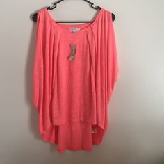 Coral top High low pleated front coral top. Super cute! Never worn with tags! American Eagle Outfitters Tops