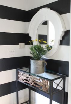 design indulgence: Sherry Harts entry black and white horizontal stripes Living Room Mirrors, Home Decor Mirrors, Living Rooms, Wall Decor, Hallway Decorating, Interior Decorating, Interior Design, Decorating Tips, Home Goods Decor