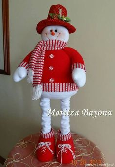 1 million+ Stunning Free Images to Use Anywhere Christmas Sewing, Christmas Fabric, Primitive Christmas, Felt Christmas, Christmas Snowman, Christmas Projects, Holiday Crafts, Snowman Christmas Decorations, Diy Snowman