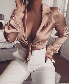 Uploaded by 𝑀𝒶𝓂𝒾 𝒬𝓊𝑒𝑒𝓃. Find images and videos about fashion, style and موضة on We Heart It - the app to get lost in what you love. Mode Outfits, Chic Outfits, Trendy Outfits, Summer Outfits, Fashion Outfits, Womens Fashion, Fashion Trends, Night Outfits, Mode Chic