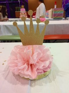 A royal birthday centerpieces. Princess Theme Birthday, Barbie Birthday Party, Girl First Birthday, 1st Birthday Centerpieces, First Birthday Decorations, Ballet Baby Shower, Baby Shower Princess, Baby Shower Themes, Baby Shower Decorations