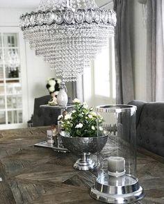 Paris Spisebord fra @classicliving hos @pearlys_  Repost:  #eleganceRoom  #unike_hjem #interiør #instahome #interiør123 #interiør125 #interiør444 #interior4all #interior4you #passion4interior #shabbyhomes #finehjem #fantastiske_hjem #vakrehjem #mitthjemoginspirasjon #mm_interior #vakrehjemoginteriør
