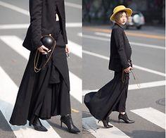 Alulu - Saint Laurent Shoes, Alxander Mcqueen Bag, Junya Watanabe Pantskirt, Yohji Yamamoto Suit - All black
