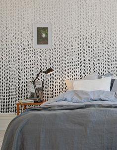 Papier peint Rain Drops Au fil des Couleurs via www. Home Bedroom, Cozy Bedroom Colors, Bedroom Interior, Bedroom Design, Luxurious Bedrooms, Paint Colors For Living Room, Wallpaper Design For Bedroom, Home Decor, Room Wallpaper