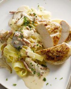 Een heerlijk herfstige pasta, deze tagliatelle met kip, oesterzwammen en een lekker romig sausje. Laat het smaken!