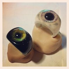 eye rings I need these! Ky. Tree Topper...