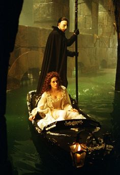 Still of Emmy Rossum and Gerard Butler in The Phantom of the Opera 2004
