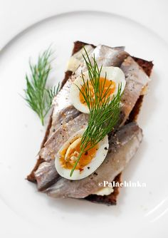 Falling in love with Estonian Kilu. Kilu Sandwich by Palachinka. Our Growing Edge: A monthly blogging event on new foodie experiences. Foodie bucket lists, recipes, tips, triumphs, failures, reviews and more.