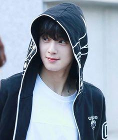 Astro Eunwoo, Cha Eunwoo Astro, Korean Celebrities, Korean Actors, Celebs, Cute Korean Boys, Asian Boys, Lee Dong Min, Won Woo