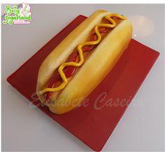 Hot Dog Cake by Bety'Sugarland