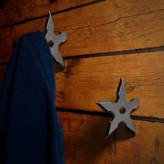 It looks like a ninja throwing star darts on the wall or back door, so cool and creative. Made from stainless steel, which is waterproof and sturdy. One corner cleverly engineered into a screw and smooth, coat friendly hanging points. Wall Mounted Hooks, Door Hooks, Shuriken, Kung Fu Panda, Martial, Ninja Star, Clothes Hooks, Towel Hanger, Creative Walls
