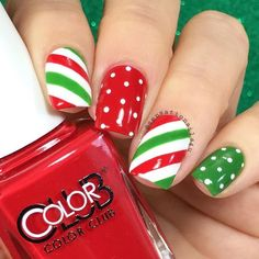 Designs for christmas ideas about Christmas manicure, pretty nails and Holiday nail art. As if ombre nails are not cool enough, this holiday nail design uses a glitter ombre with painted Christmas ornaments on each nail. The look is intricate and fun . Christmas Nail Polish, Cute Christmas Nails, Christmas Manicure, Xmas Nails, Holiday Nails, Red Nails, Red Manicure, Manicure Ideas, Christmas 2017
