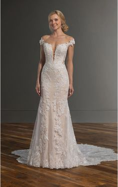 Martina Liana Wedding Dresses - Search our photo gallery for pictures of wedding dresses by Martina Liana. Find the perfect dress with recent Martina Liana photos. Western Wedding Dresses, Classic Wedding Dress, Sexy Wedding Dresses, Princess Wedding Dresses, Designer Wedding Dresses, Bridal Dresses, Wedding Gowns, Lace Wedding, Mermaid Wedding