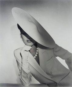 Black and white B&W photography // karen cox. Horst P. Horst