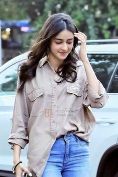 Ananya Pandey Lovely Girl Image, Beautiful Girl Photo, Cute Girl Photo, Beautiful Girl Indian, Most Beautiful Indian Actress, Cute Celebrities, Indian Celebrities, Beautiful Bollywood Actress, Beautiful Actresses