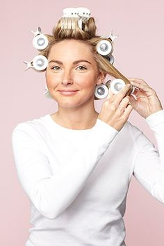 How to Get Shiny, Bouncy Hair with Hot Rollers Large Hair Rollers, Using Hot Rollers, Hot Rollers Hair, Hot Curlers, How To Curl Short Hair, Curls For Long Hair, Curly Hair Tips, Big Hair, Big Loose Curls