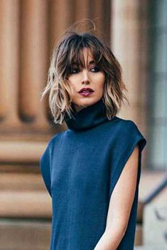 30 Trendy Short Haircuts 2015 – 2016 Short Haircut 2016 Source by whippycake. Short Hair With Bangs, Short Hair Cuts, Hair Bangs, Shorter Hair, Lob Bangs, Bangs Short Hair, Bangs Hairstyle, Style Hairstyle, Thick Hair