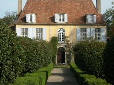 Front facade of house by François-Xavier Van Damme French Country Cottage, French Countryside, French Country Style, French Farmhouse, French Country Decorating, Country Houses, Architecture Design, French Architecture, Style At Home