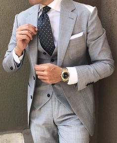 London Light Grey Suit - Groom Suit, Dress and Accessories , London Light Grey Suit London Light Grey Suit Anzüge. Light Grey Suits Wedding, Light Grey Suit Men, Grey Light, Black Suits, Men Wedding Suits, Mens Fashion Suits, Mens Suits, Mens Gray Suit, Grey Suit Combinations