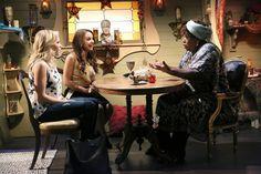 "#YoungAndHungry 2x15 ""Young & Earthquake"" - Gabi, Sofia and Cleo King"