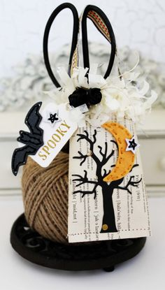 Spooky Tree Treat Container by Melissa Phillips for Papertrey Ink (August 2016)