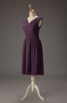Plum Plain A-line V-neck Sleeveless Knee Length Bridesmaid Dresses