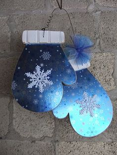 An adorable mitten door hanger. This could stay up past Christmas, too! Christmas Door, Blue Christmas, Christmas Signs, All Things Christmas, Winter Christmas, Christmas Time, Christmas Decorations, Christmas Ornaments, Wood Decorations