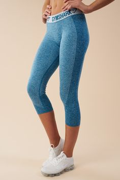 d4f787a6364a5 Jacquard elasticated mid-rise waistband of the Gymshark Cropped Flex  Leggings offers non-slip