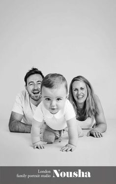New ideas baby photography funny family portraits Funny Family Portraits, Studio Family Portraits, Portrait Studio, Family Posing, Studio Photos, Child Portraits, Beach Portraits, Funny Photography, Family Portrait Photography