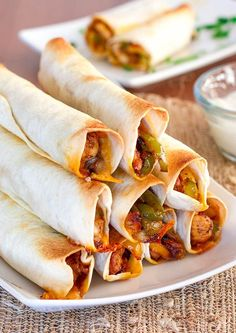 Baked Chicken Fajita Taquitos – what happens when you put chicken fajitas and taquitos together? You end up with chicken fajita taquitos! I Love Food, Good Food, Yummy Food, Tasty, Mexican Dishes, Mexican Food Recipes, Baked Chicken, Chicken Recipes, Crispy Chicken