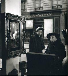 Robert Doisneau: Tableau de Wagner dans la vitrine de la galerie Romi, rue de Seine, 1948.