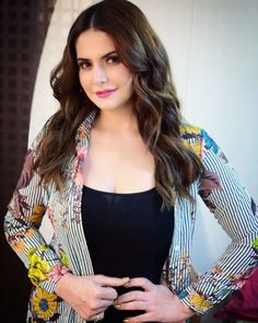 A list of pictures for Zareen Khan lovers! Indian Celebrities, Bollywood Celebrities, Heena Khan, Zarine Khan, Bollywood Actress Hot, Stylish Girl Pic, Insta Models, Beautiful Indian Actress, Latest Pics