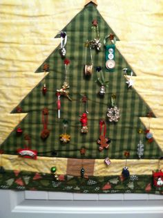 Quilted Christmas calendar with ornaments